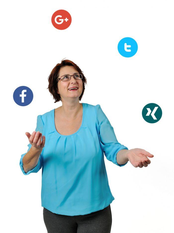 Sonja jongliert